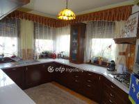 Eladó családi ház, Barcson 68 M Ft, 5+2 szobás