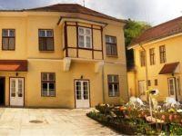 Eladó hotel, Visegrádon, Fő utcában 199 M Ft, 15 szobás