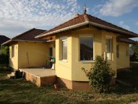 Eladó családi ház, Zsirán 36.5 M Ft, 3 szobás