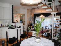 Eladó családi ház, II. kerületben 104 M Ft, 4 szobás