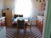 Eladó családi ház, Napkoron 12.9 M Ft, 3 szobás