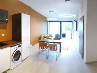 Eladó téglalakás, Balatonfüreden 99 M Ft, 2 szobás