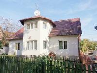 Eladó családi ház, Szentendrén 92 M Ft, 6 szobás
