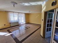 Eladó családi ház, Sopronban 76.8 M Ft, 6 szobás