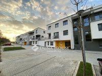 Eladó téglalakás, Veszprémben 54.8 M Ft, 1+3 szobás