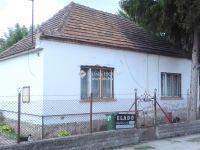 Eladó családi ház, Almásfüzitőn 18.6 M Ft, 3+1 szobás