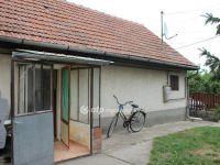 Eladó családi ház, Abonyban 4 M Ft, 1 szobás