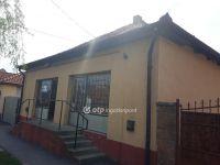 Eladó családi ház, Apcon 5.9 M Ft, 1+1 szobás