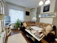 Eladó panellakás, Pécsett 23 M Ft, 3+1 szobás