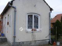 Eladó családi ház, Szentmártonkátán 19.8 M Ft, 3 szobás